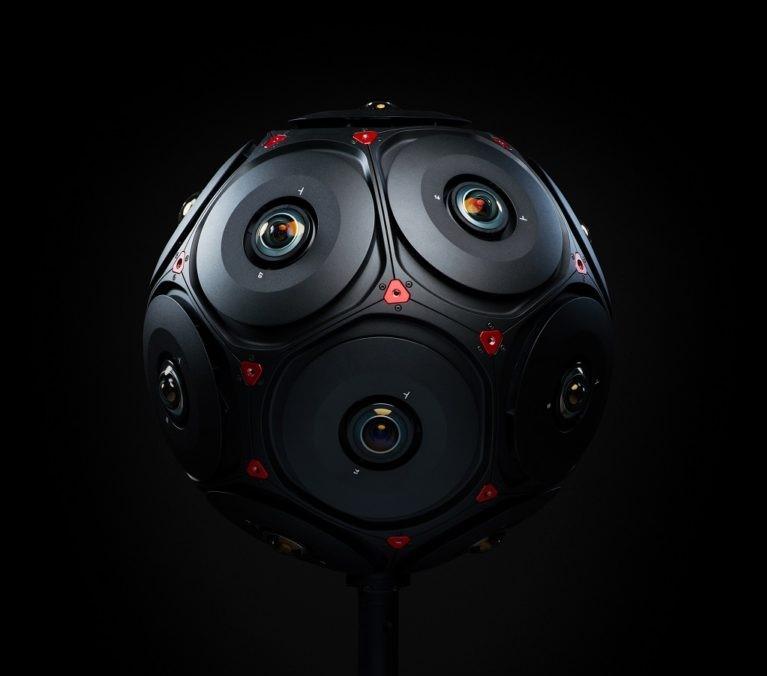 Facebook, Manifold per filmare in realtà virtuale